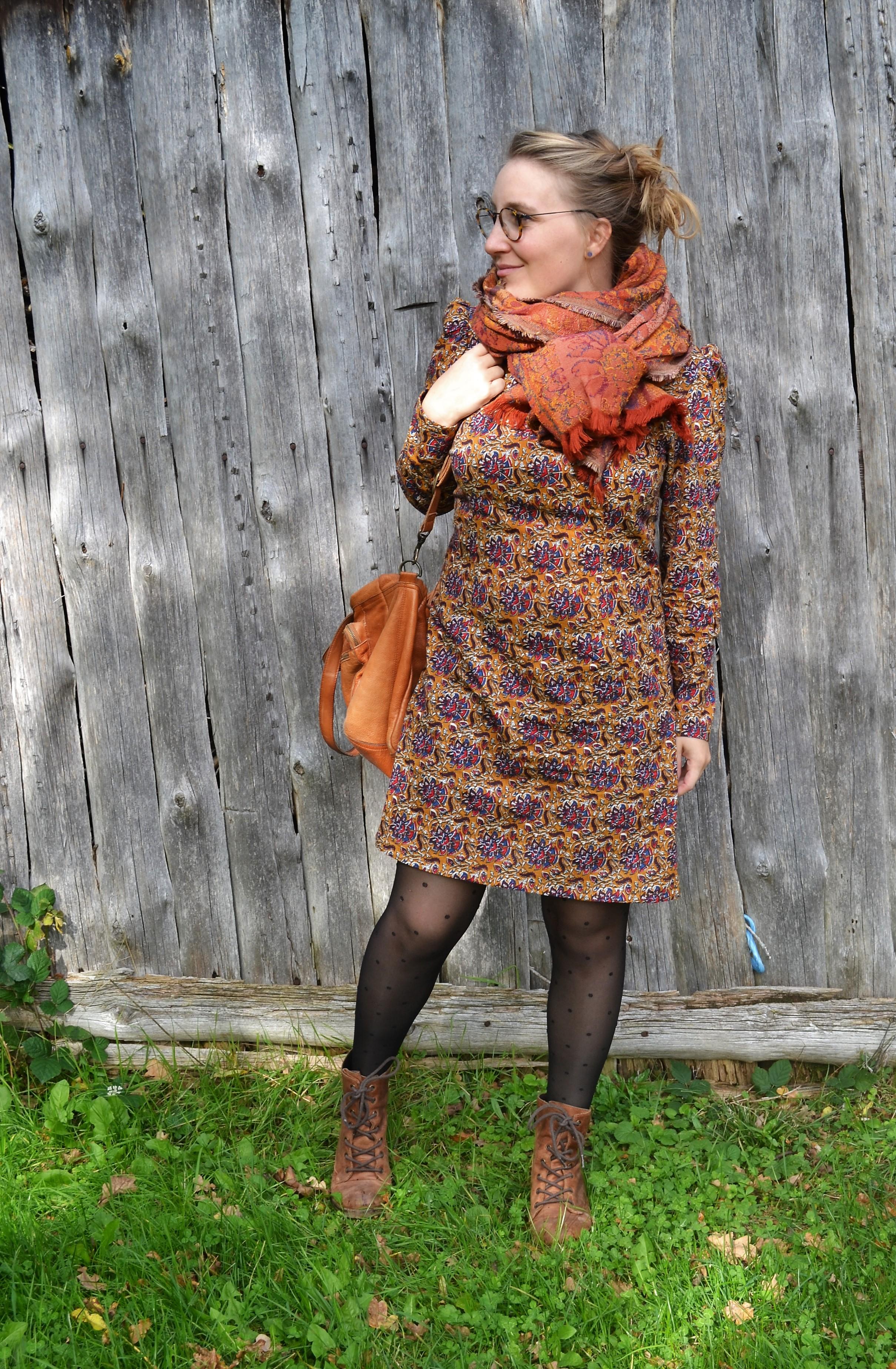 M7968 – McCall Pattern : une robe aux petits oignons
